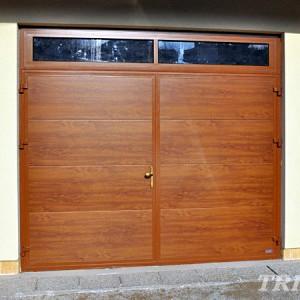 Křídlová garážová vrata s okénky