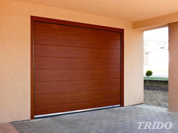 Výsuvná sekční garážová vrata pod strop Trido EVO