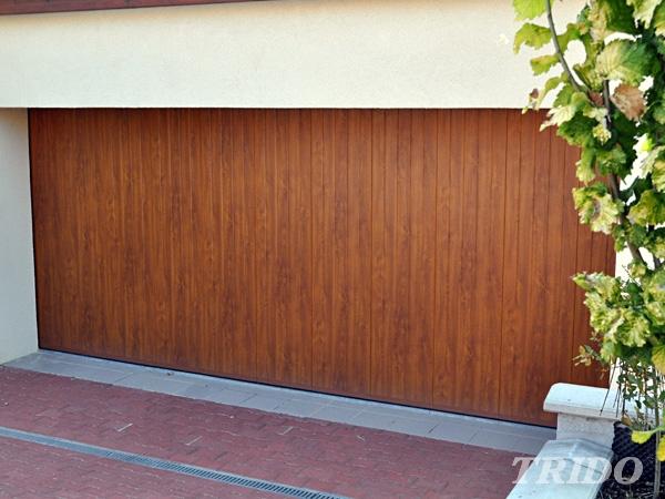 Bočně posuvná sekční garážová vrata Trido
